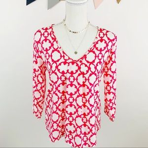 Tops - Fuchsia Pink & White Quatrefoil Print Top